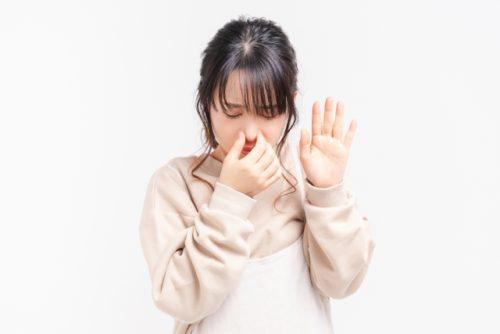 歯周病の口臭がひどいのはなぜ?原因と対策について